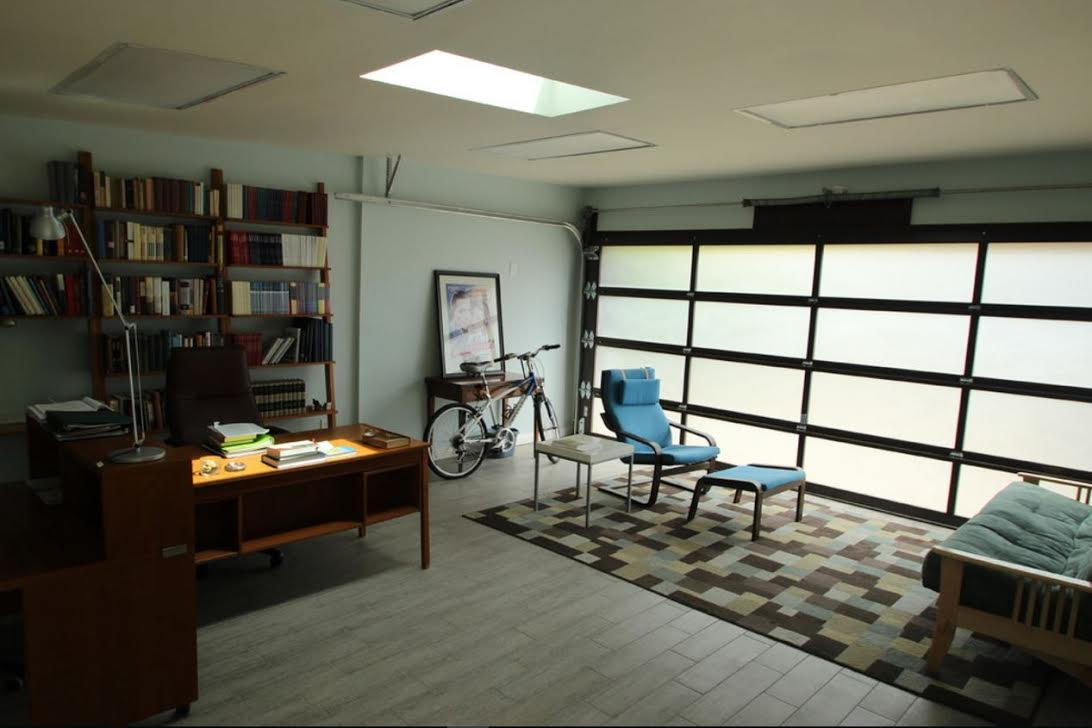 Budget  Car Garage With Sitting Room